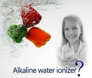 Ce este apa alcalina ionizata si de ce ar trebui sa o consumam